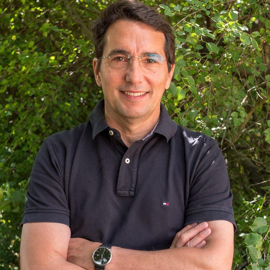 Dr. Claudio Jara
